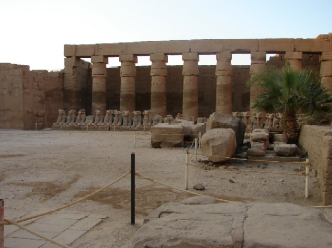 Let us arrange your holiday or group trip to Egypt - visit Luxor and Karnak temples and all sites of antiquities